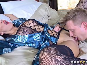 hotwife wifey Peta Jensen cunt thrashed by Bill Bailey