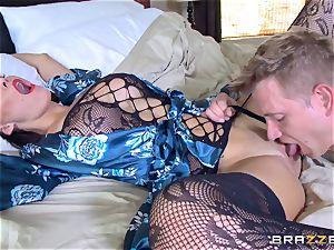 hotwife wifey Peta Jensen cunt thrashed by Bill Bailey