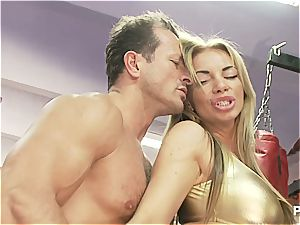 Czech boxer babe gets him to spunk on her two times