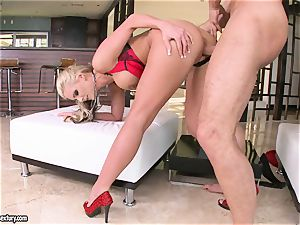 chesty Phoenix Marie luvs getting her puss fucked