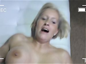 SEXTAPE GERMANY - Mature German newcomer pokes on cam