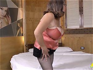 LatinChili Fatty grandmother Brenda toying