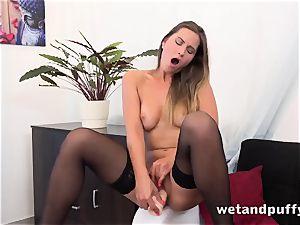 Gina Gerson sensual solo vagina pump