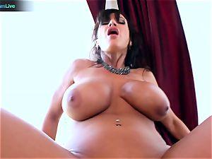 Lisa Ann luvs sitting into Toni Ribas giant manstick