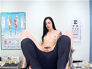 Marley Brinx gets her cooch deeply explored at the doctors