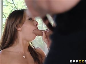 India Summers flashes Sara Luvv how to pummel her man