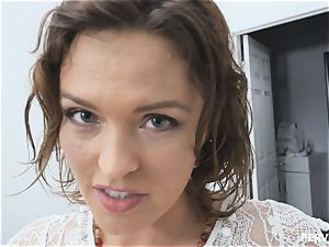 cougar Krissy Lynn covets her stepsons boner
