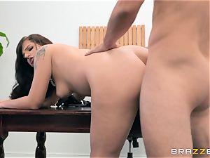 Scarlett Mae deep gash hammering interview