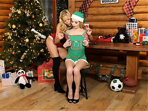 Mrs Claus Alexis Fawx eats out elf Angel Smalls