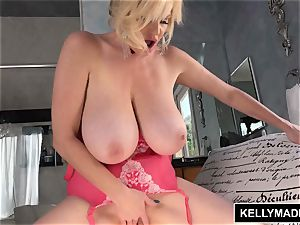 KELLY MADISON Pretty In pinkish