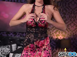 Spizoo-Watch Alison Tyler humping a ginormous chisel immense cupcakes