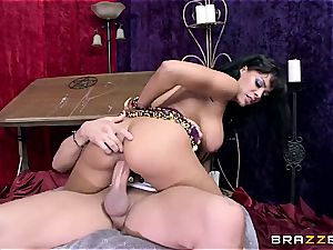 Luna star witnesses man meat in her future