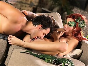 forest gal Aidra Fox puts partying on hold for her man
