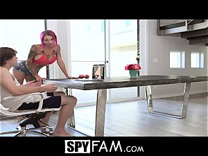 SpyFam Stepmom Anna Bell Peaks rectal plumb by stepson