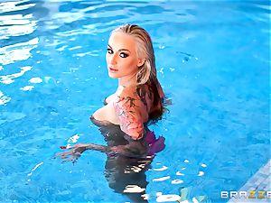tatted bikini babe Kayla Green poolside anal