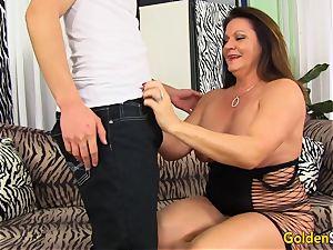 grannie Leylani tempts boy