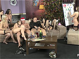 The hook-up Game before Christmas vignette 2