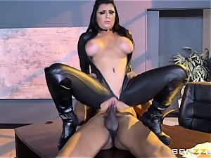 special agent Romi Rain gets gash deep with the manager