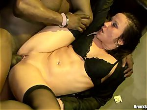 Bibi Fox lock crevice the key of a scorching studs with friends