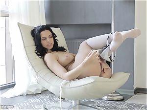 huge-boobed cutie from Russia Kira queen demonstrates her trendy cooch