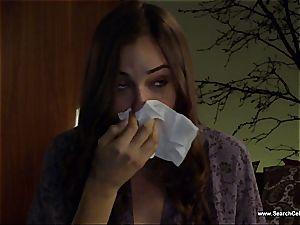 spectacular Sasha Grey bares her petite jugs