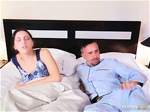 Briana Banks screwed in the puss by Keiran