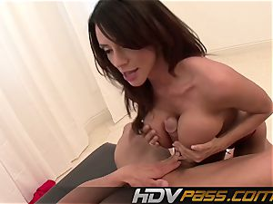 HDVPass huge-boobed honey Ariella Ferrera Gets Down