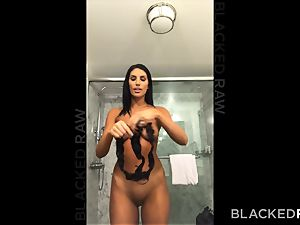 BLACKEDRAW uber-sexy super-steamy wifey likes to rim black bulls in hotels