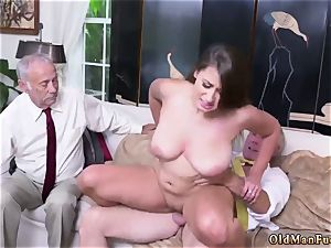 Real unexperienced wife rides After getting to know the fellows better, she amazes even more