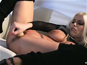 Britney Amber playthings in her vulva